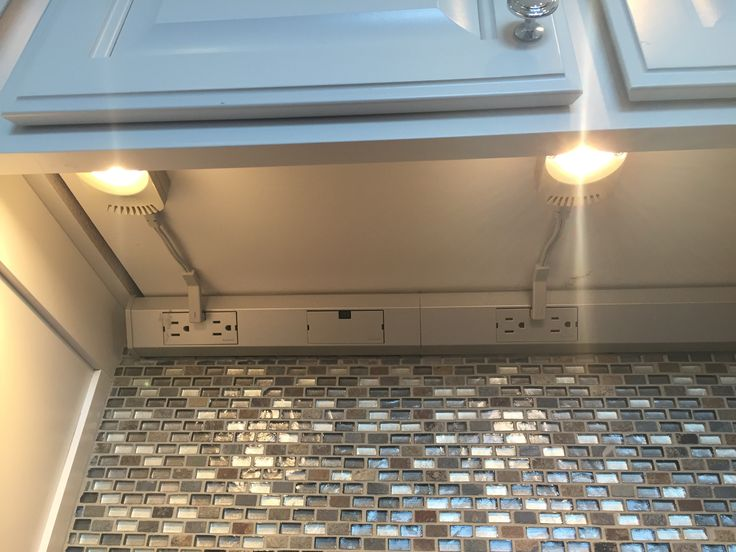 Undercounter Lighting With Hidden Outlet Strip So The Outlets Don U0026 39 T Have To Be In The Backsplash