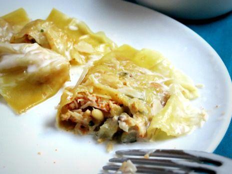 Ravioli à l'araignée de mer, pignons et parmesan.