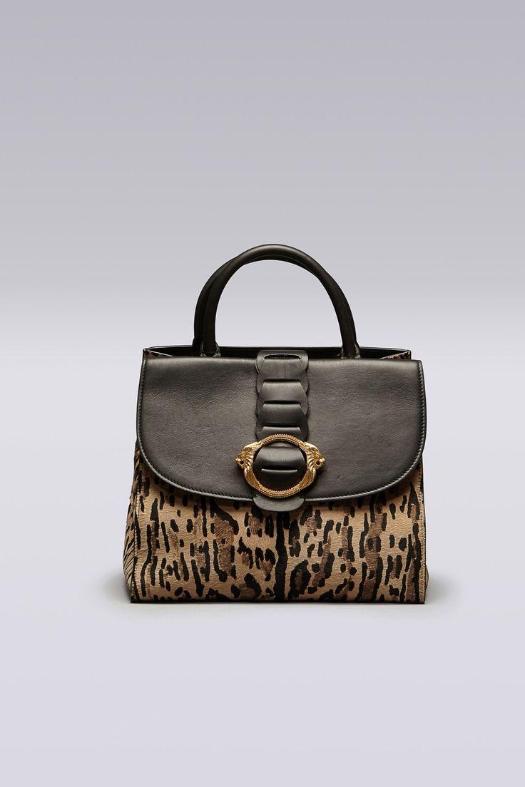 Tote Bag in cavallino stampa leopardo con fibbia leone ad anello e tracolla removibile.<br> Made in Italy.