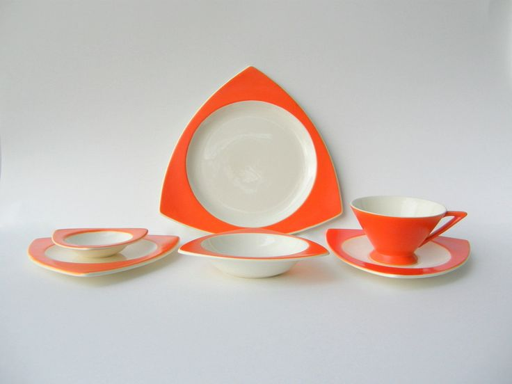 Atomic Art Deco Dinnerware Place Setting: Salem Streamline & Tricorne in Mandarin Orange from SusabellaBrownstein