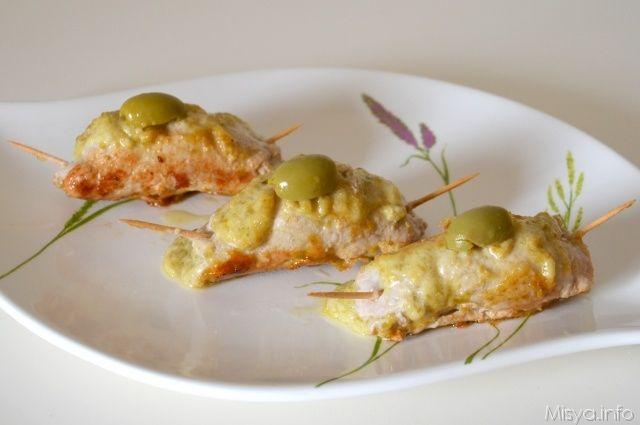 Involtini alle olive. Scopri la ricetta: http://www.misya.info/2012/10/04/involtini-alle-olive.htm
