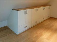 Dachschräge ausnützen – Eingebaute Kommode für Dachgeschoss. Gerade in klei