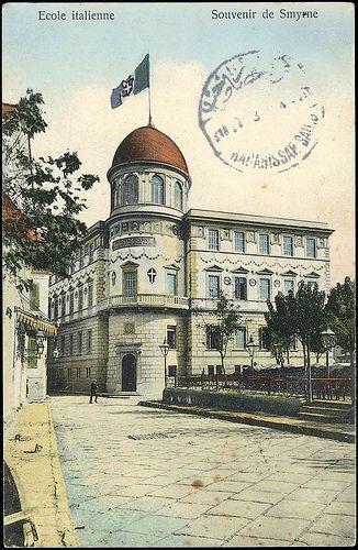 Karpostallarda yangından önce İzmir, İtalyan Okulu