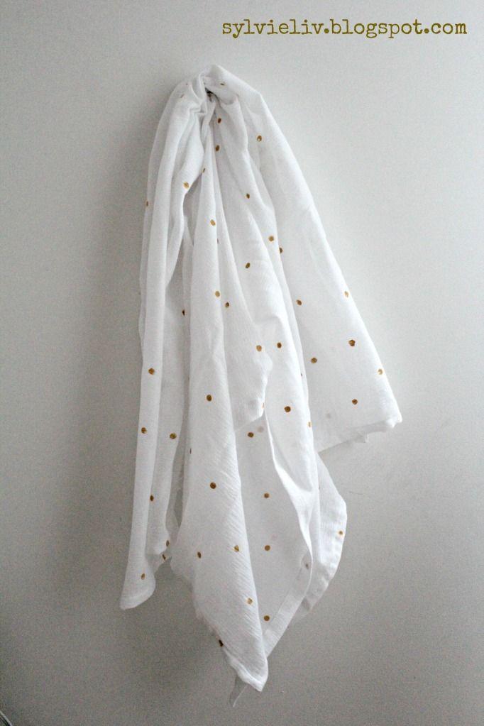 DIY Baby swaddling blanket: SylvieLiv