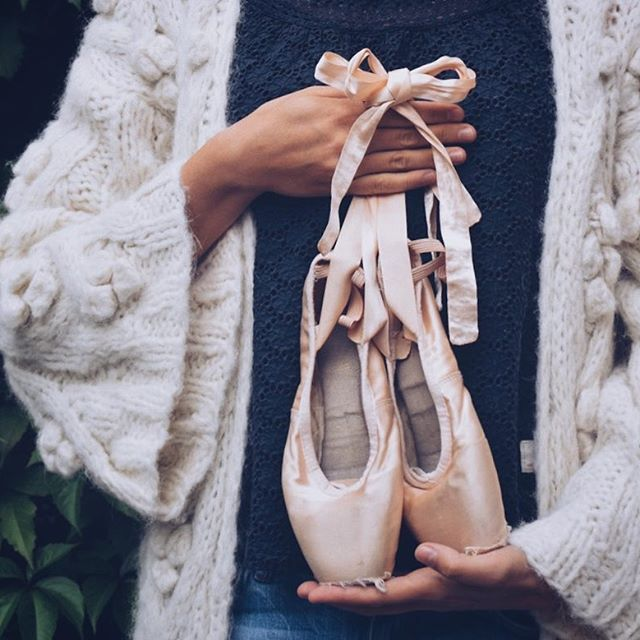 Did you know that the average classical ballerina goes through six pairs of pointe shoes a week? I've kept my old ones out of nostalgia, they're just too beautiful to throw away 🎀 #romanticatheart