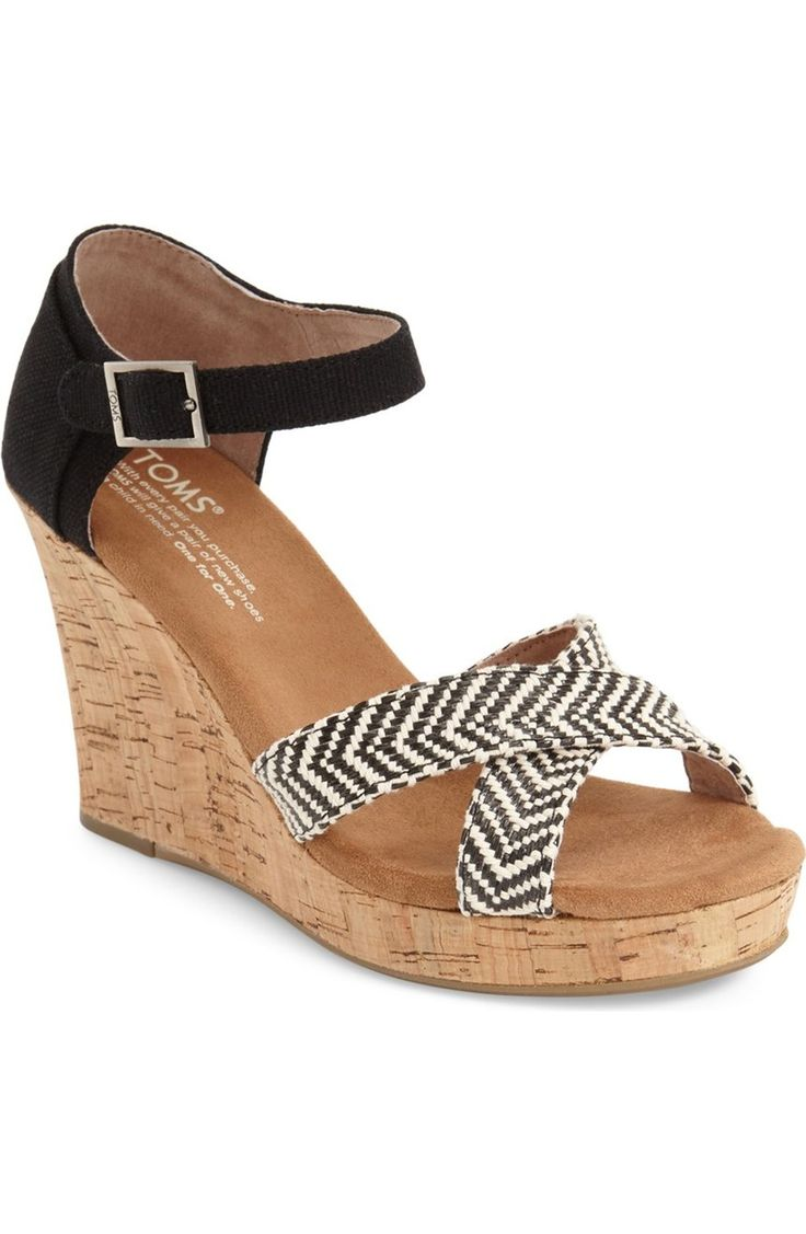 chic & sophisticated Toms wedge sandal, perfect for summer!