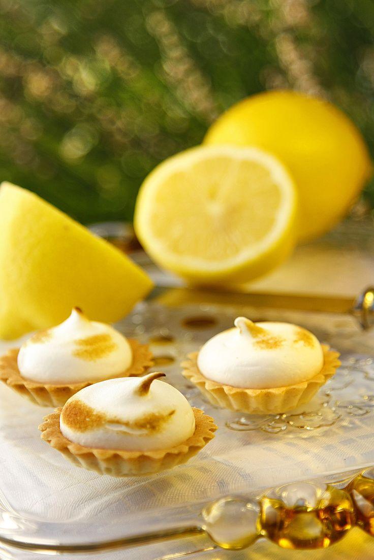 citron,nekedcake cake for party, finger food, wedding, Budapest