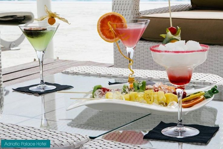 Have a drink to quench your thirst and feed your hunger picking from refreshing fruit at the bar by the pool! http://www.hoteladriaticpalace.com/
