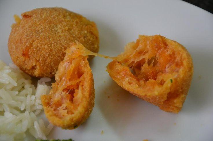 Farinheira and Mozzarella Baked Balls