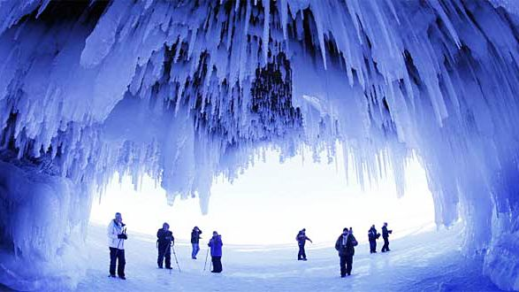 You Can Explore These Magnificent Ice Caves In Ontario For The Coolest Winter Adventure Ever