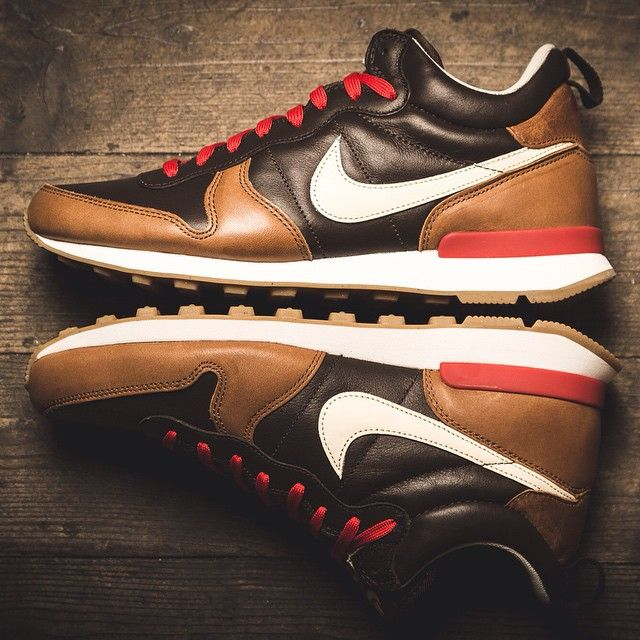 "Nike Internationalist Mid QS ""Escape-Pack"""