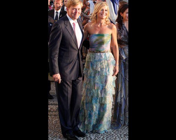Het koninklijk paar tijdens een bruiloft in Griekenland