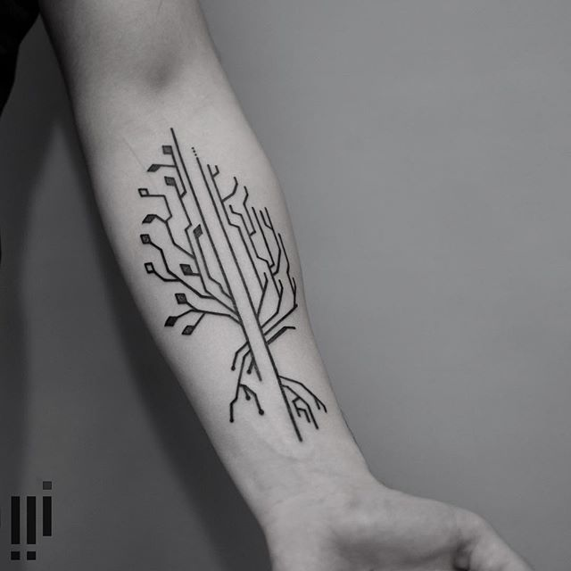 ----<> | Made at Redberry Tattoo : Wroclaw |  georgiewtattoo@gmail.com #tattrx #equilattera #graphicdesign #sound #taot #blackworkerssubmission #onlyblackart #abstract #illustration #tattoo #tatuagem #brasil #glllitch #geometry #tree #nature #circut #plant #cybernetic #industrial #form #minimalism#wiilsubmission #tattoofilter #iblackwork #tattoodo #ontheroad #blacktattooart #minimaltattoo #fubiz