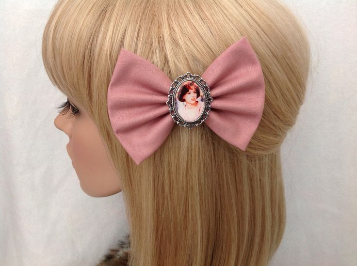 Molly Ringwald The Breakfast Club hair bow clip rockabilly psychobilly vintage retro pretty in pink 80s movie pin up fabric ladies girls by GrimAndProperDesigns on Etsy https://www.etsy.com/listing/239643738/molly-ringwald-the-breakfast-club-hair