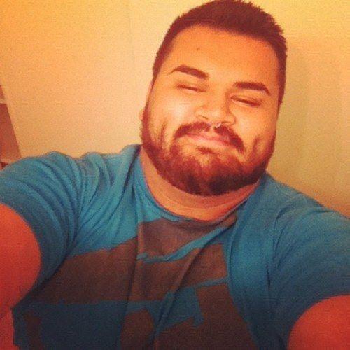 Mantén tu barba bien cuidada. | 18 Trucos de estilo que todos los hombres con pancita deben conocer