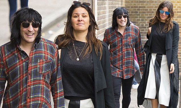 Noel Fielding cosies up to stylish girlfriend Lliana Bird