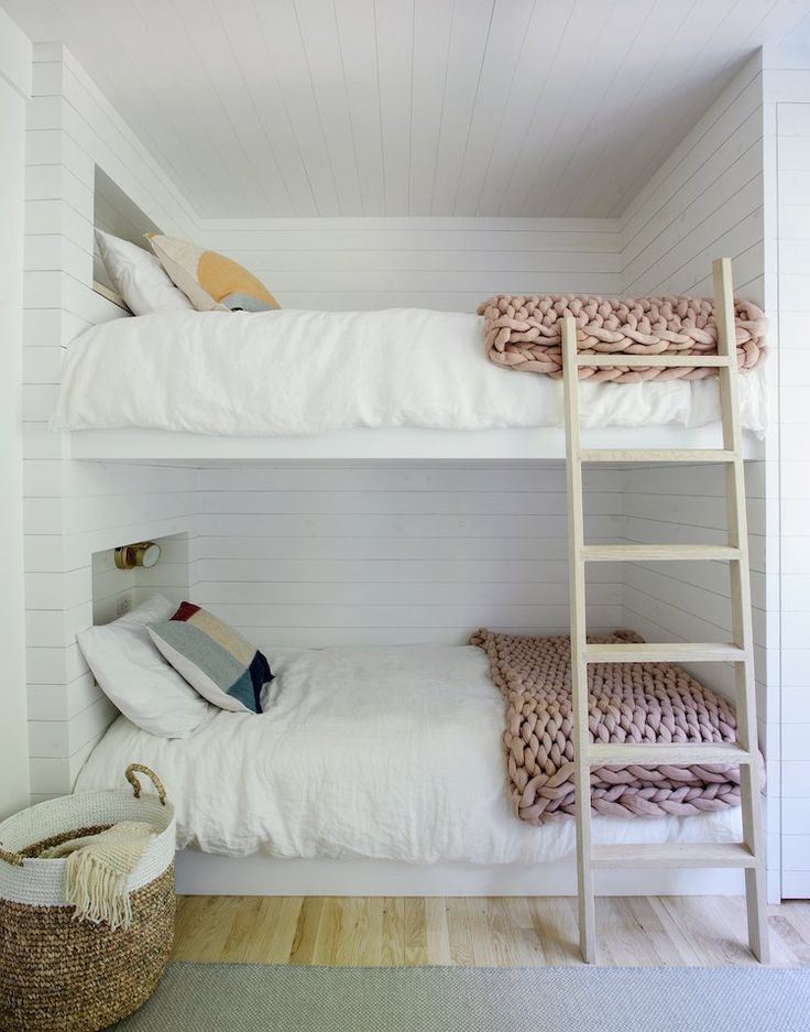 my scandinavian home: Bunkbeds / guestroom in a Dreamy Scandi Inspired Beach House photo Mathew Williams design Jessica Helgerson.