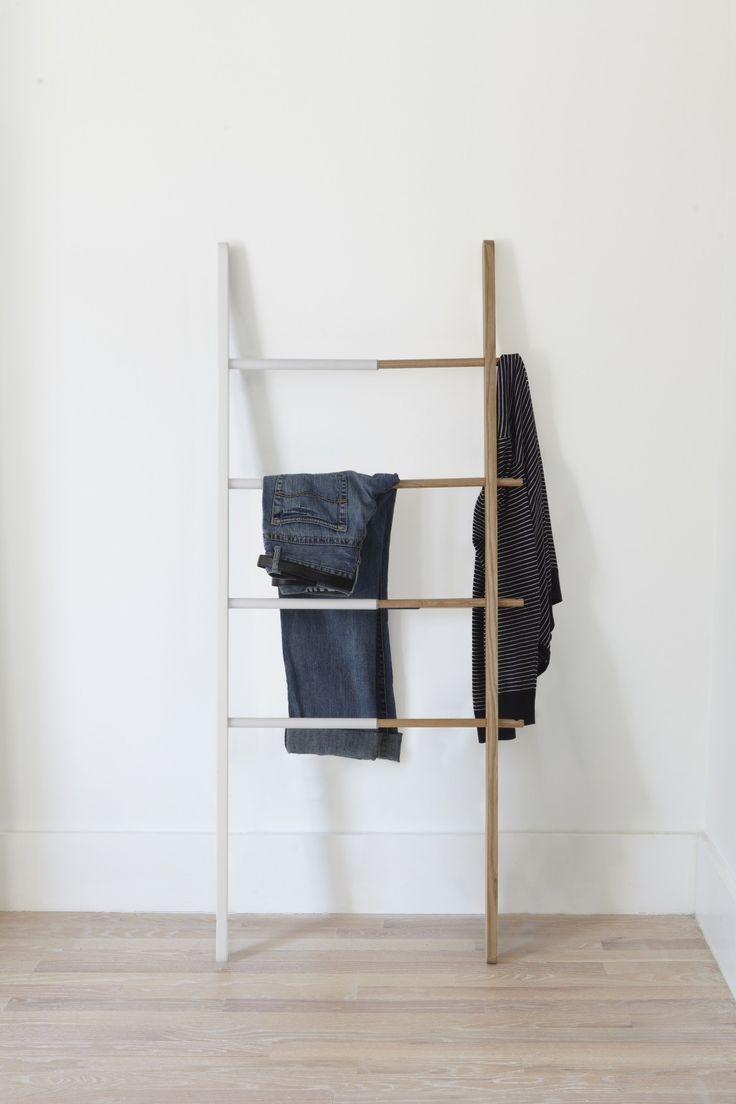 Hub Ladder Handtuch-/Kleiderleiter weiß-natur Umbra designed by Matt Carr ab 100,00€. Bestpreis-Garantie ✓ Versandkostenfrei ✓ 28 Tage Rückgabe ✓ 3% Rabatt bei Vorkasse ✓