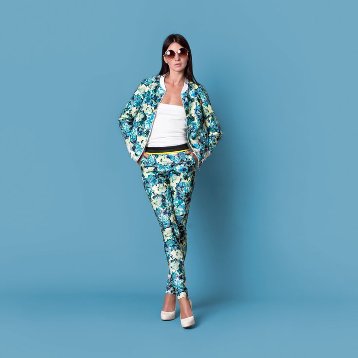 Cocoon Spring - Summer 2015 / Muss collection / Flower print blue bomber jacket and pants.