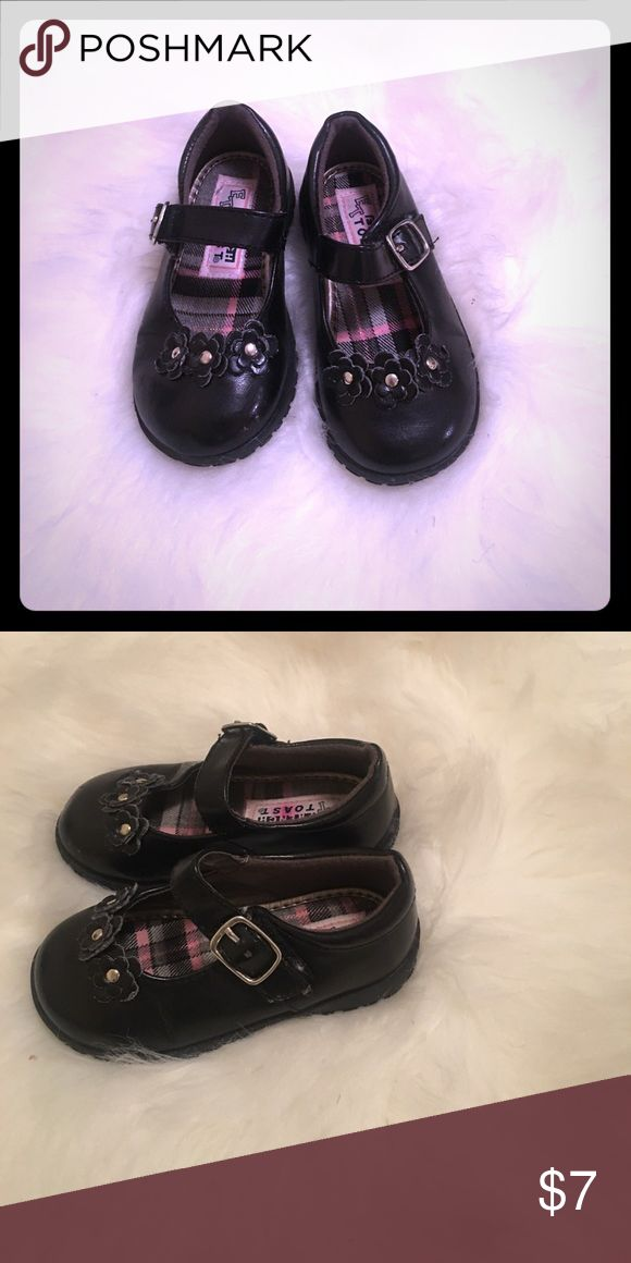 Toddler dress shoes Black dress shoe with flower detail across top Shoes Dress Shoes