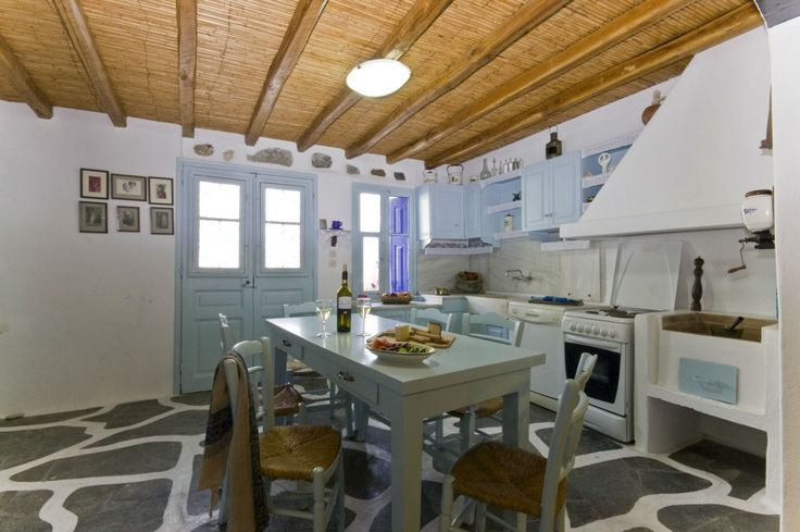 Traditional pool villa in Naousa in Paros island, Villas for Rent in Naousa