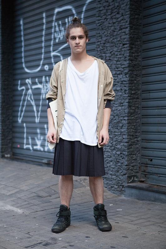 Street style masculino São Paulo - saia