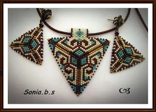 Los tesoros de Sonia. Bisutería Artesanal.: Conjunto Triángulos.