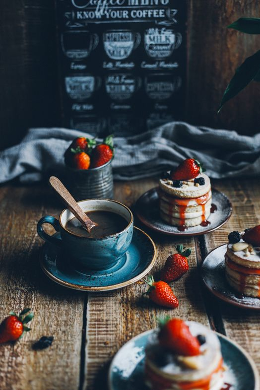 mini pancake cake | food photography and styling | dark food photo