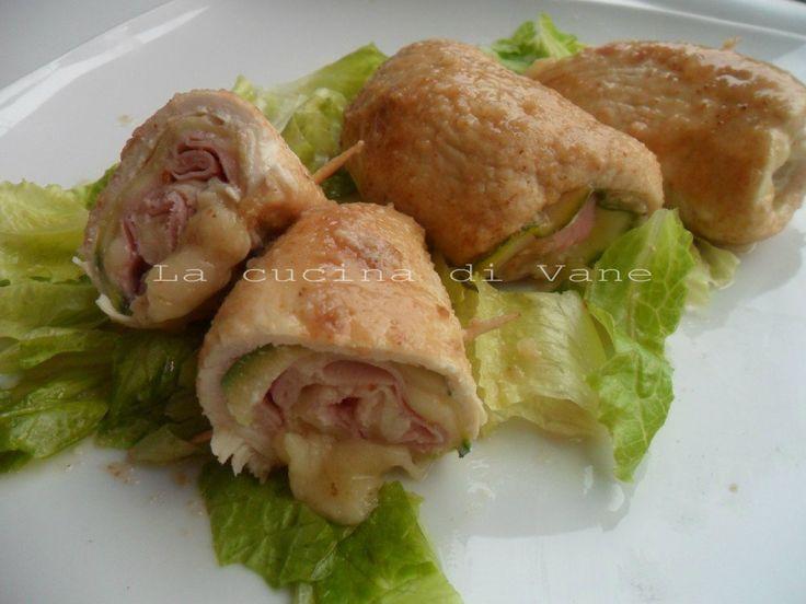 Involtini di pollo con scamorza prosciutto e zucchine