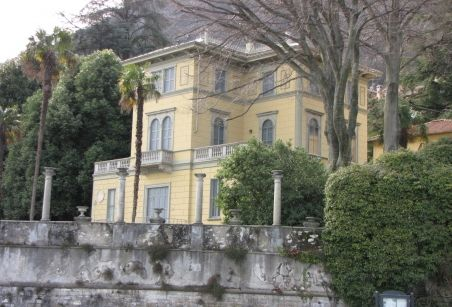 Brace yourself for the beauty of this unique Lake Como property on sale, http://www.villaatlakecomo.com/villadetails/villa-italia-lake-como