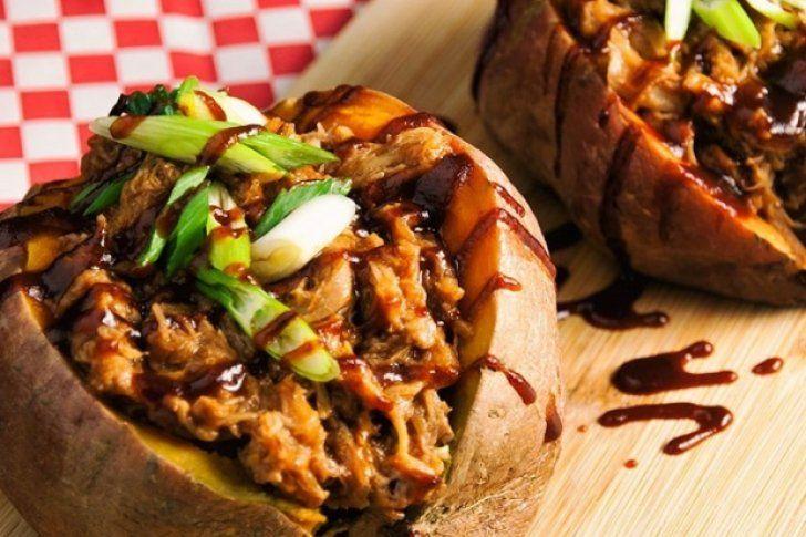 <p>18/02/2016/Todo un chef/AJV Estas batatas rellenas de carne molida son una opción ideal si quieres comer algo diferente, sabroso y saludable. Una gran fuente de energía, carbohidratos y proteínas. Ingredientes para preparar batatas rellenas de carne molida 1 cucharada de…</p>