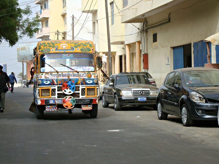 Car Rapide Dakar- Blog Voyage Trace Ta Route www.trace-ta-route.com  http://www.trace-ta-route.com/senegal-escapade-dakar/  #tracetaroute #senegal #bus #dakar