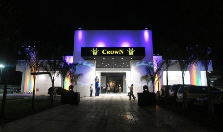 It is the newest of the Crown Chain Casinos, which opened its doors on April 26, 2007. It has a park of 411 totally new and last generation slot machines with more than 120 different games and attractive prizes.  In addition to the exciting slot machines, our clientele can find a variety of services such as: Bar, Gastronomy, Buffet, Music Presentations, Karaoke, Exciting Promotions and Simulcasting with which we offer you the opportunity to bet and watch live horse races. Also the Crown…