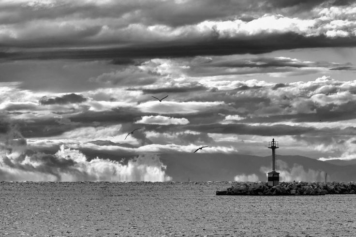 Φάρος και σύννεφα - Μαρίνα Καλαμαριάς (Οκτώβριος 2017)