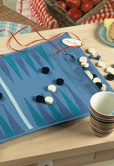 Backgammon-Spiel aus Filz - Weihnachtsgeschenke zum Basteln