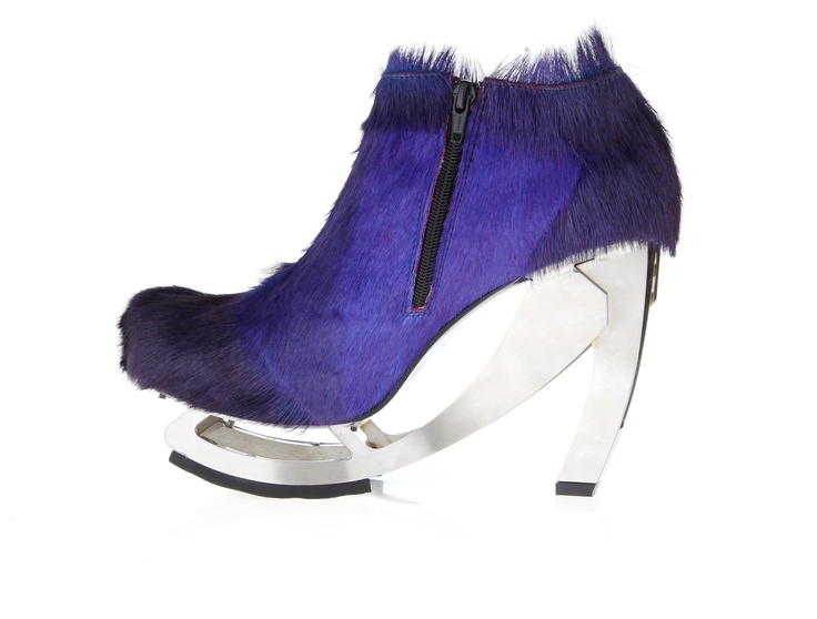 Womans shoe ( leather, dyed purple, long hair skin, stainless steel )