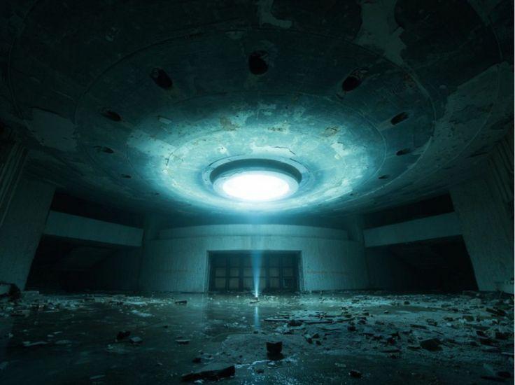 Le signal - Sous la salle du congrès du Buzludzha - David de Rueda