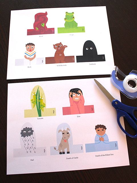 Ten Plagues Finger Puppets Printable <- great way to get the kids interested in the seder. #passover #10plagues
