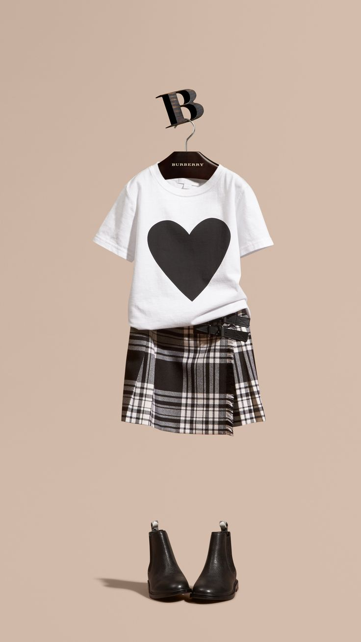 Burberry Kids Black and White outfit