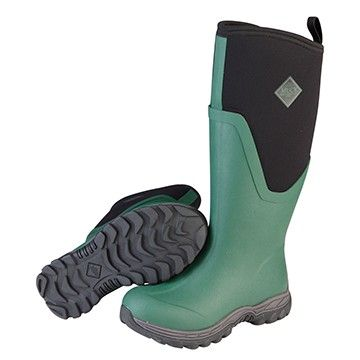 Durable, warm and comfortable, and built on a women's last for a slim, flattering fit. The essential all-purpose cold weather welly.