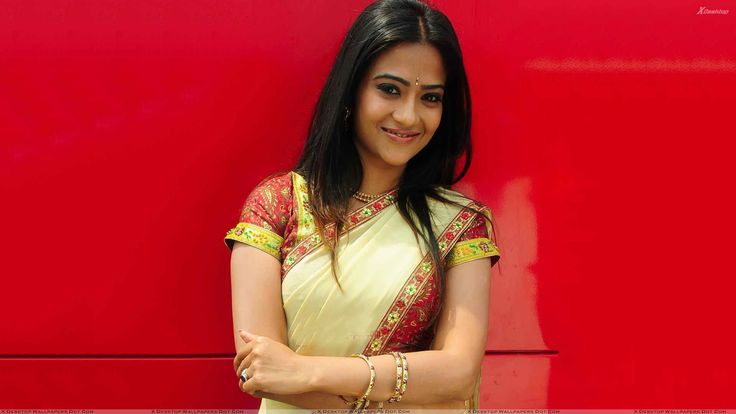 Aditi Sharma Wallpapers Photos Images in HD