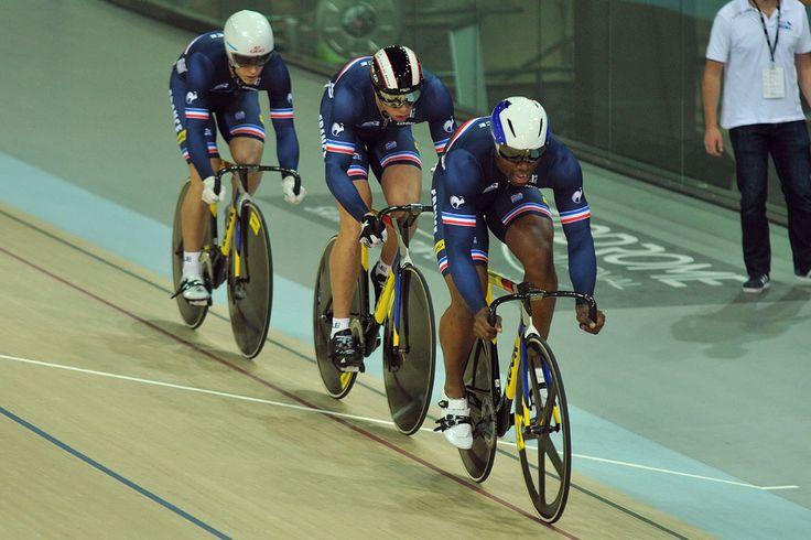 Les poursuiteurs britanniques en quête d'une médaille - © www.trackcyclingworlds2016.london   Toute reproduction, même partielle, sans autorisation, est strictement interdite. L'équipe de France de vitesse par équipes : Grégory Baugé, Kévin Sireau, Michael...