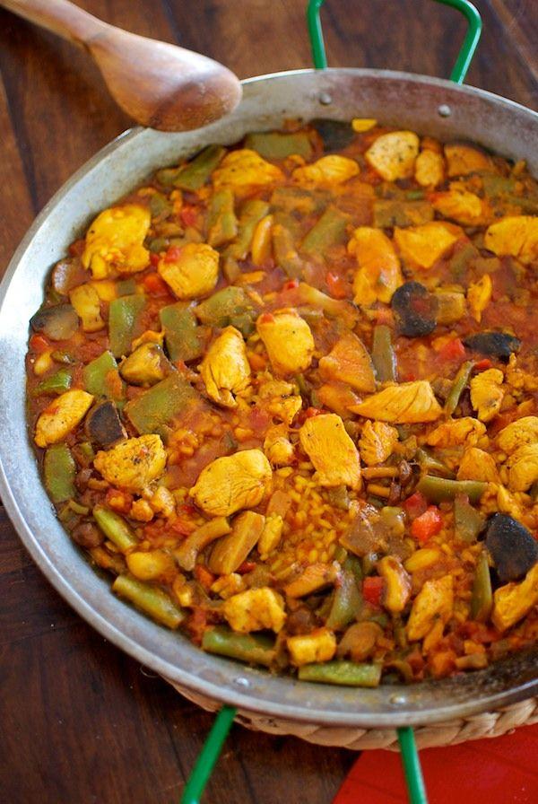 Receta de 'Paella de pollo con setas' de Pepekitchen para el blog 'A tu Gusto' de superSol. La mejor gastronomía :)