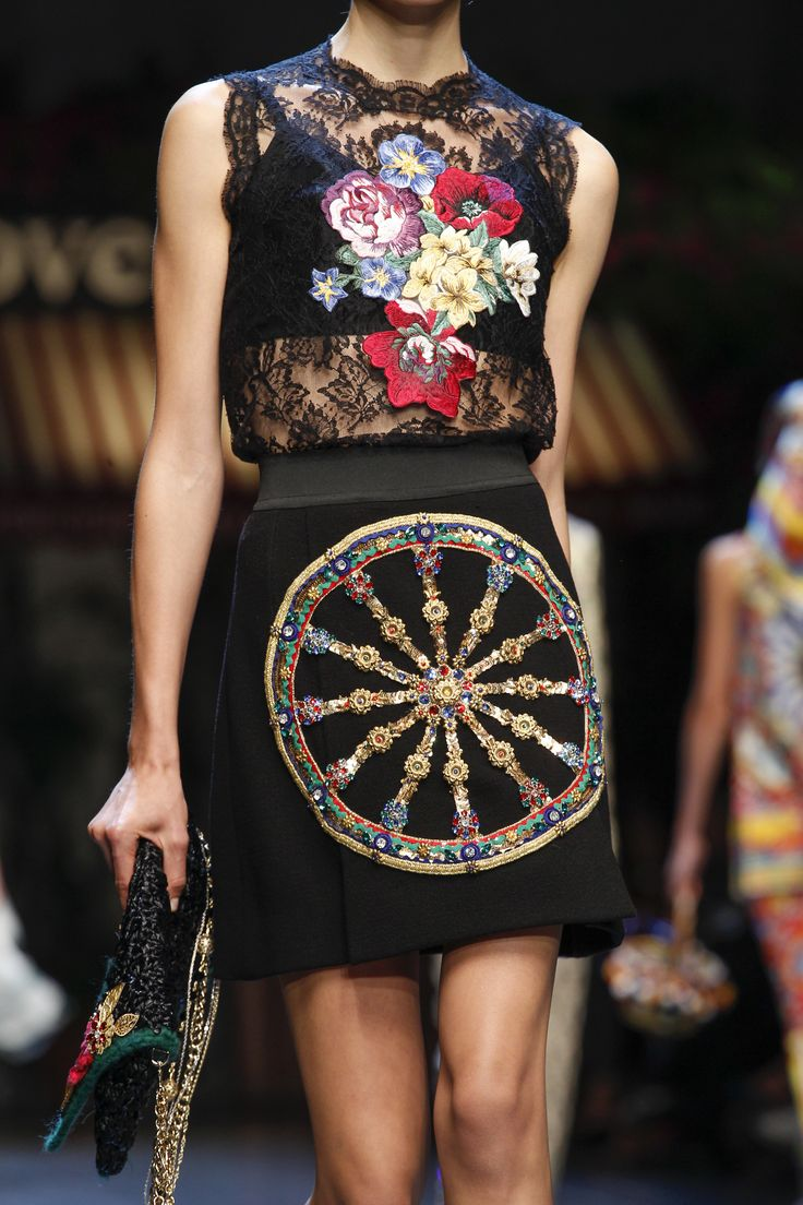 Dolce & Gabbana Spring 2016 Ready-to-Wear Accessories Photos - Vogue