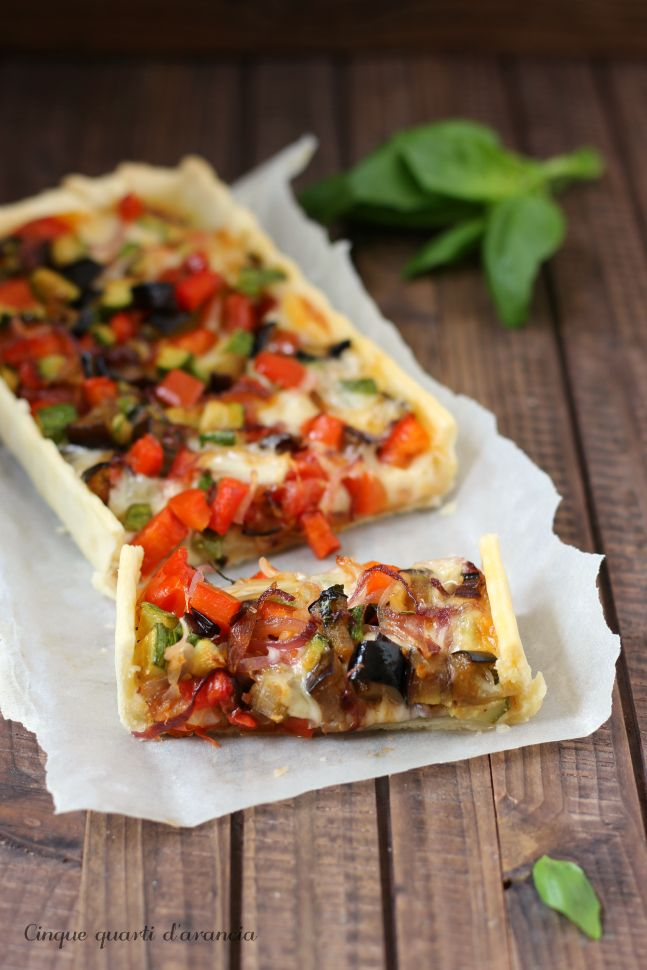 Vegetables and scamorza cheese quiche - Torta salata verdure e scamorza