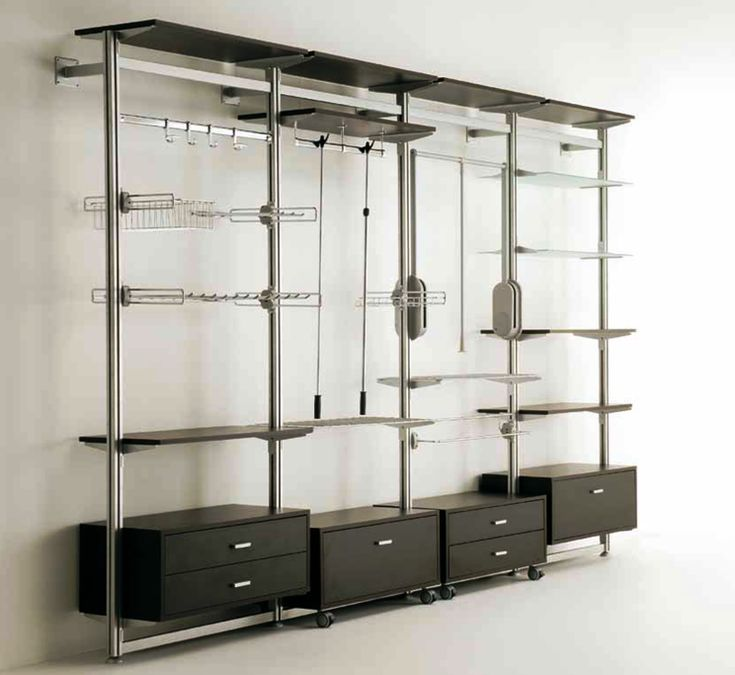Oltre 25 fantastiche idee su organizzazione armadio su - Strutture per cabina armadio ...