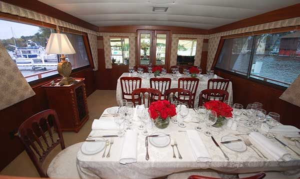 Dinner Service Main Salon Aboard The Entertainer