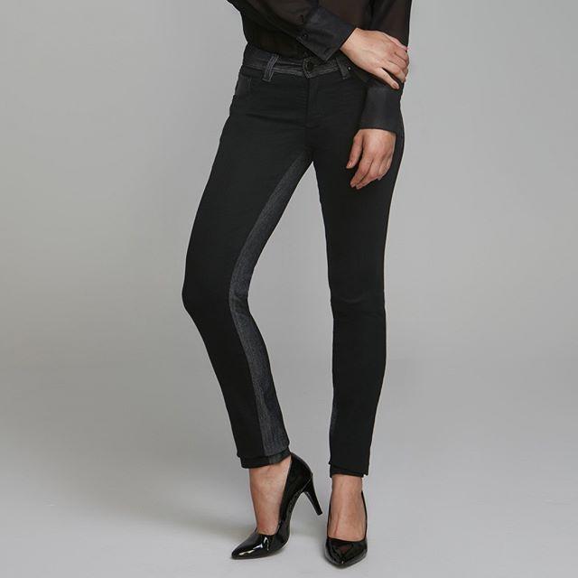 It's Friday Night ✨ Calça com Mix de Jeans para arrasar❗Você encontra na #FORJeanswear 💥 #FORUrban #JeansWomen
