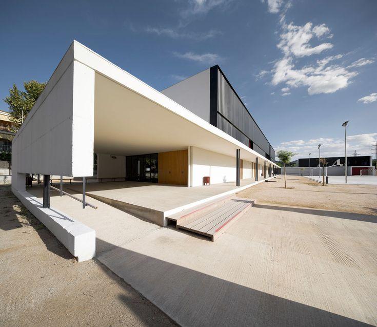 BAAS arquitectura, Pedro Pegenaute · Els Grogs secondary school