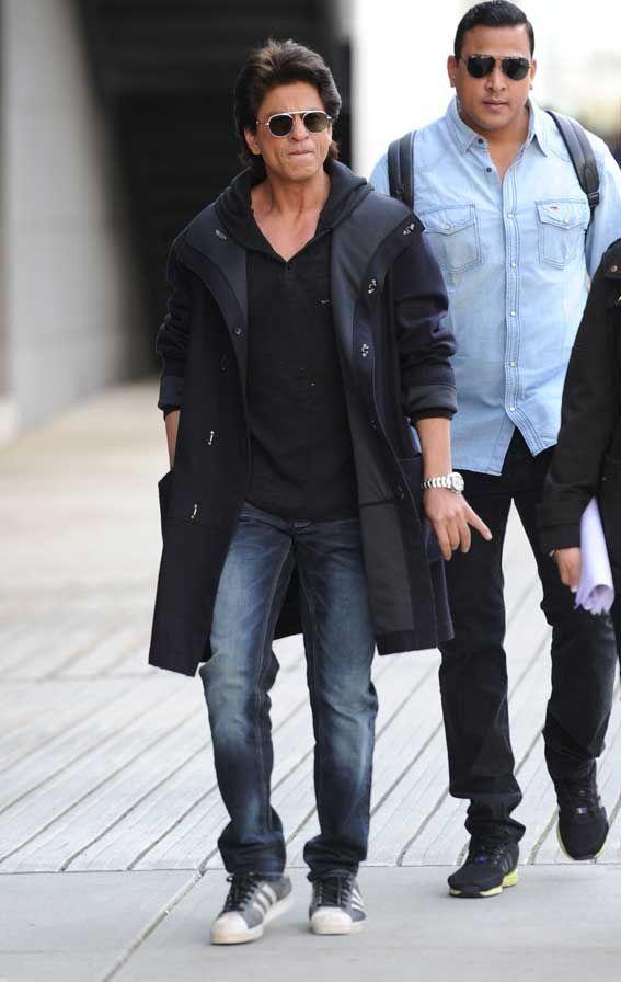 Shah Rukh Khan Sunglasses Hoody Coat Smoking Vancouver © Atlantic Images #bollywoodfashion,